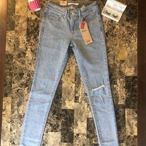 Levi's Jeans - 711 Levi's Jean brand new